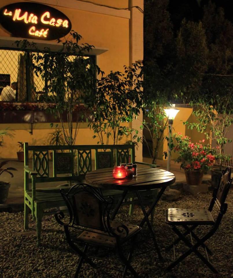 la mia casa cafe dehradun weekendsxp. Black Bedroom Furniture Sets. Home Design Ideas