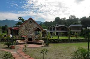 river-stone-cottage-garden-dehradun